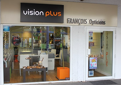 vitrine Opticien Vision Plus Fondettes